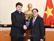 Holy See's non-residential envoy to VN hosted by Deputy FM