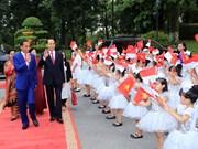 Vietnamese, Indonesian leaders meet the press