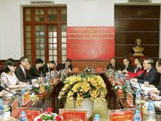 Vietnam, China court sectors enhance collaboration