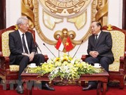 Deputy PM hosts Singaporean counterpart in Hanoi