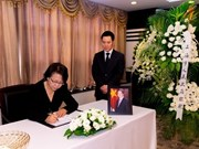 Officials, diplomats pay respect to President Tran Dai Quang in Cuba, China, Poland