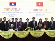 Vietnam, Laos cooperate to develop border trade