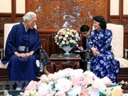 Acting President receives Japanese grand tea master