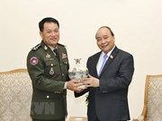 Vietnam consistently consolidates traditional friendship with Cambodia