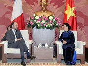 Top legislator: Vietnam treasures relations with France