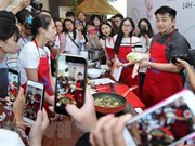 Famous Korean chef promotes cuisine in Vietnam