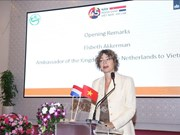 Netherlands keen on sharing experience with Vietnam in high-tech agriculture
