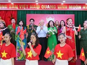 Party, State leader attends national unity festival in Hanoi