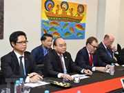 PM Phuc receives US enterprises on sidelines of APEC summit