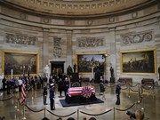 Vietnamese Ambassador pays respects to George H.W.Bush