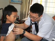 Disadvantaged children in Lam Dong get free heart checkups