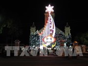 Kon Tum authorities pay pre-Christmas visits to religious dignitaries