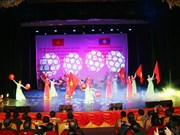 Art performance promotes Vietnam-Laos special friendship