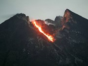 Indonesia warns about Mt Merapi's eruption, high tidal wave