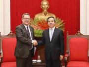 Party official hosts US Trade Representative delegation