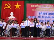 Vice President attends celebration of Party anniversary in Vinh Long