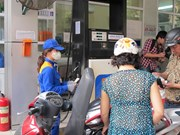 Petrol prices remain unchanged ahead of Tet holidays