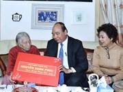PM Nguyen Xuan Phuc visits former leaders