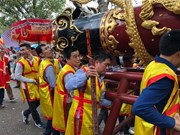 Firecracker procession festival kicks off in Bac Ninh