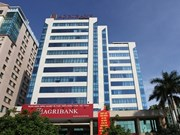 Banks hold auctions to cut bad debts