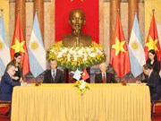 Vietnam, Argentina sign cooperation documents