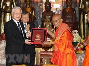 Vietnam leader hails Cambodian Buddhists' contributions to relations