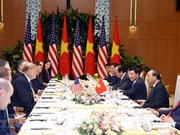 PM Phuc meets US President Trump in Hanoi