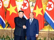 PM Nguyen Xuan Phuc meets DPRK Chairman Kim Jong-un