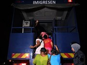 Malaysia fights illegal immigration