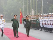 Senior officers of Lao army pay official visit to Vietnam