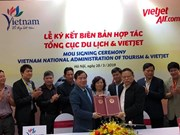 Vietnam National Administration of Tourism, Vietjet sign MoU