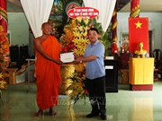 VFF officials extend greetings to Khmer monks on traditional New Year