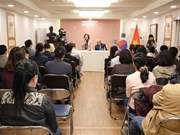 Scholarship fund delegation visits Vietnamese Embassy in RoK