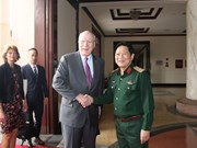 US Senate delegation visits Vietnam