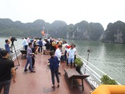 Delegates from OANA members visit Ha Long Bay