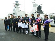 Vietnamese naval ships visit China