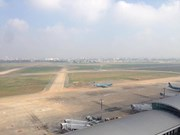 Aviation authority, France firm study upgrading Noi Bai int'l airport