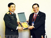 Army's general staff chief meets Russian, Philippine officers