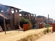 Quang Ngai struggles to eliminate old-style brick kilns