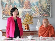 Party official visits Buddhists in southern localities