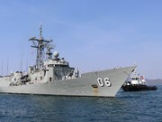 Australian royal naval ships make port call in Khanh Hoa province