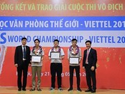 Three Vietnamese students to compete at Microsoft Office's final rounds