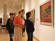 Vietnamese lacquer paintings introduced in Russia