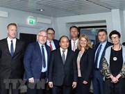PM Nguyen Xuan Phuc receives leaders of Norwegian groups