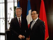 Vietnamese Party delegation visits France