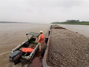 Hanoi struggles to tackle illegal sand mining
