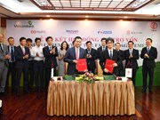 Vietcombank, JBIC sign contract for renewable energy projects