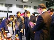 Vietnam-Laos trade fair helps promote bilateral economic ties