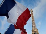 Top leaders extend congratulations to France on National Day