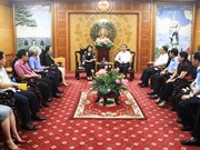 Vice President presents aid to storm victims in Thanh Hoa